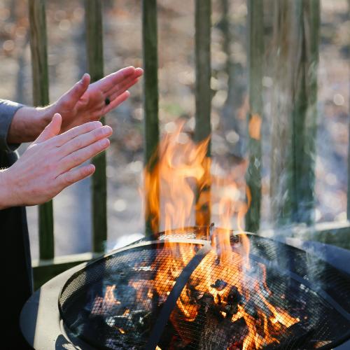 De rook van een vuurkorf kan overlast veroorzaken.